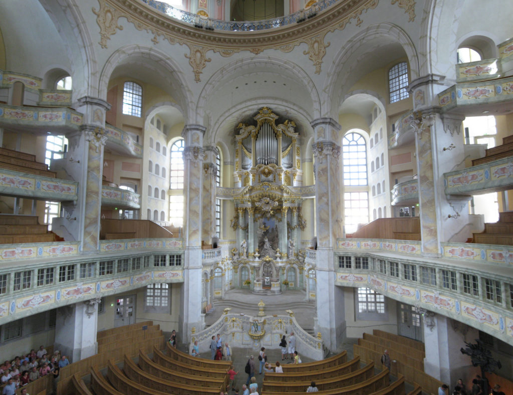 Frauenkirche_interior_2008_001-Frauenkirche_interior_2008_009